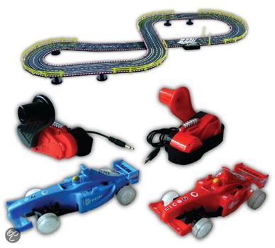 Racebaan met dynamo