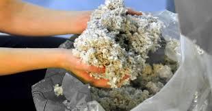 Papiervlokken of cellulose isolatie als bio-ecologisch bouwmateriaal