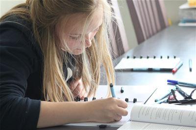 Bijna een miljoen studenten maken kennis met het herbruikbaar notitieblok Correctbook