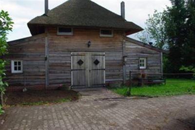 Logeren in Hooiberg met paardenstalling