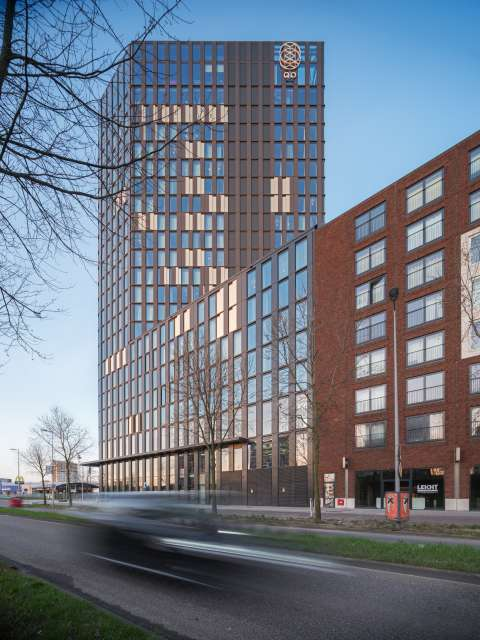 De 'Tesla onder de hotels' staat in Amsterdam
